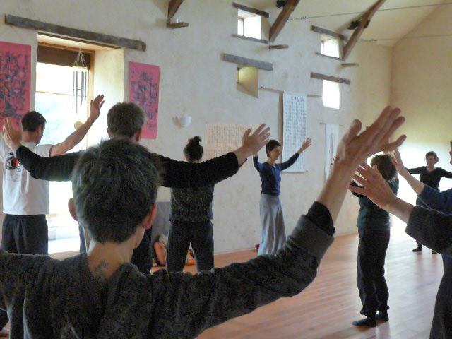 Un cours dans la salle du Centre Xian